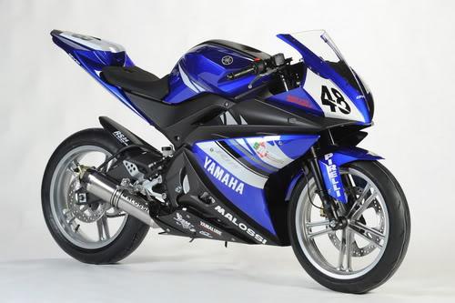 Yamaha YZF-R125  parecido  YZF-R15 Yamaha-yzfr125-cup-bike