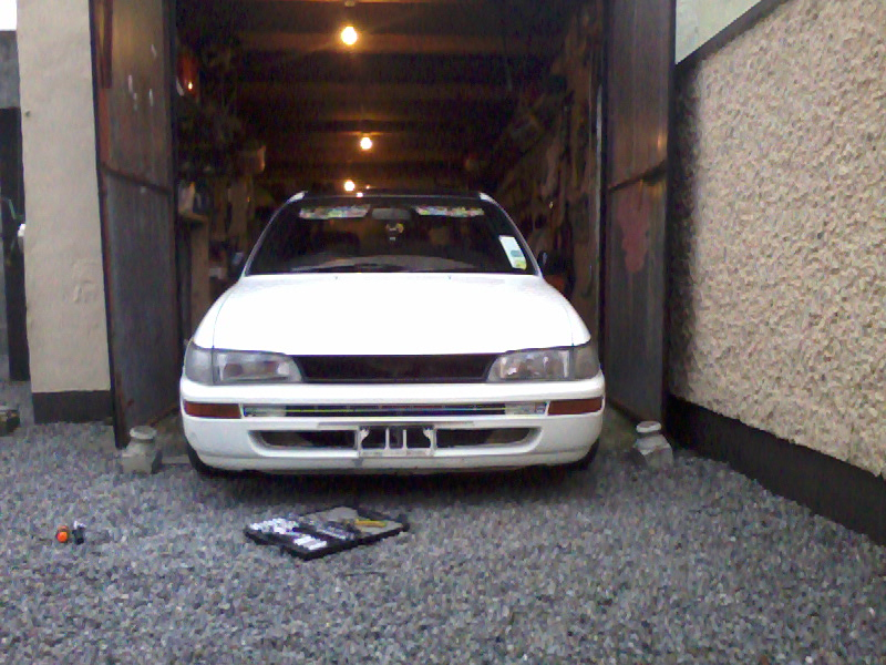 My Low and Slow E10 Corolla Saloon -rocker cover, recaro, rimmage page 3 Photo0298_zps118a7507