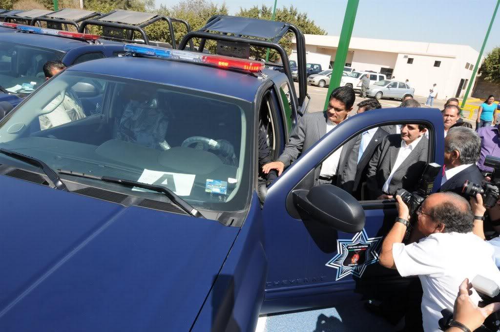 Fotos de la Policía Élite de Sinaloa ENTREGADEEQUIPOAPOLICIAMINISTERIAL3-756527