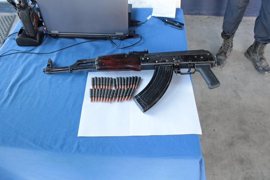 Fotos de la Policía Élite de Sinaloa El-arma-que-portaban-los-dos-delincuentes