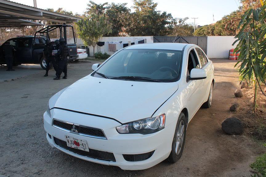 Fotos de la Policía Élite de Sinaloa La-unidad-en-la-que-viajaban-los-dos-detenidos