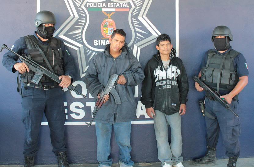Fotos de la Policía Élite de Sinaloa Los-detenidos-con-el-Ak-47