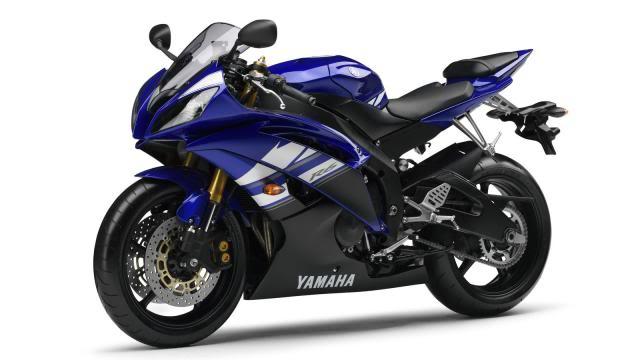 Våre motorsykler 2011-Yamaha-YZF-R6-EU-Yamaha-Blue-Studio-007
