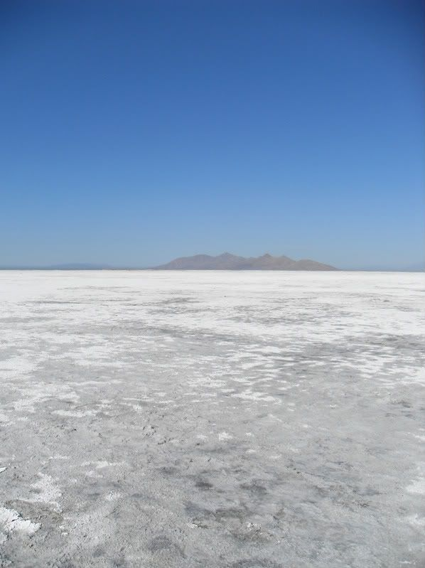 Pictures from the Great Salt Lake itself SDC10213