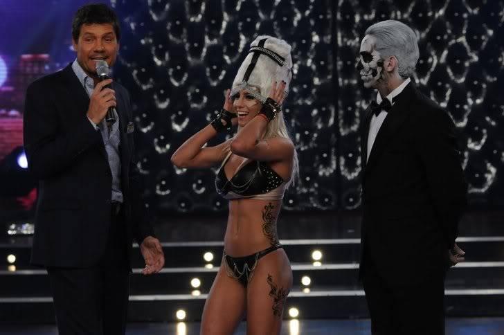 Lady Gaga >> Parodias, imitaciones, vídeos y covers - Página 38 Cinthia-Fernandez-videoclip-01