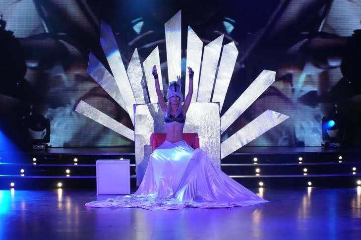 Lady Gaga >> Parodias, imitaciones, vídeos y covers - Página 38 Cinthia-Fernandez-videoclip-02