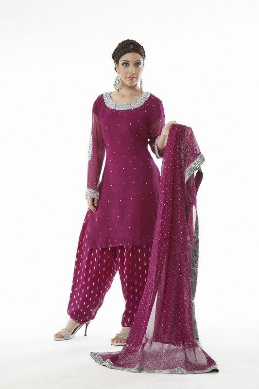 Indian Women in Beautiful Saree India11