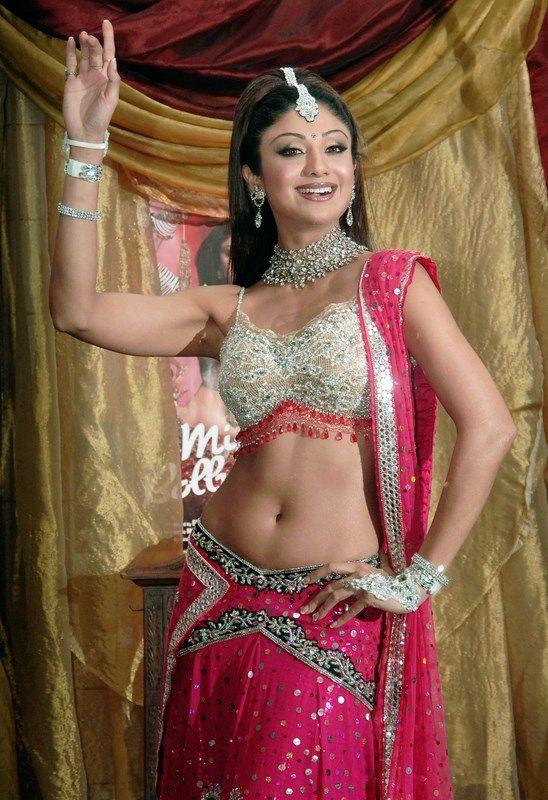 Indian Women in Beautiful Saree India12