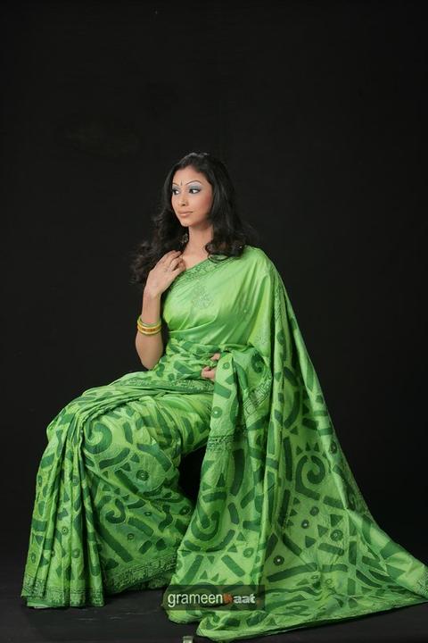 Indian Women in Beautiful Saree India23