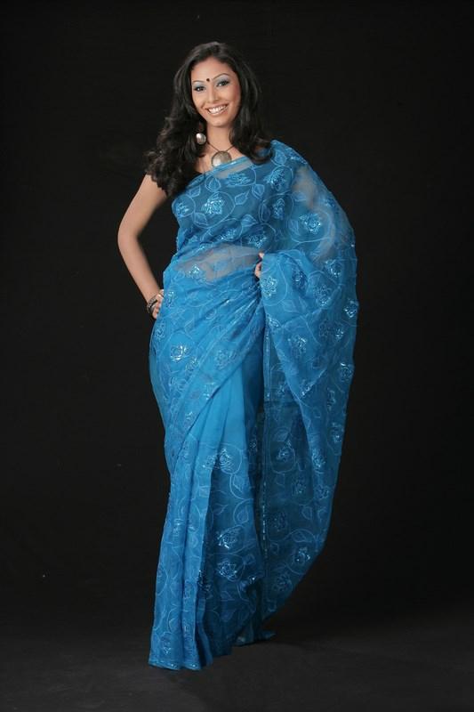 Indian Women in Beautiful Saree - Page 2 India37