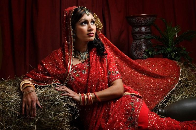 Indian Women in Beautiful Saree - Page 2 India43