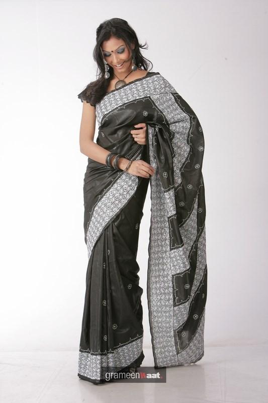 Indian Women in Beautiful Saree - Page 2 India44