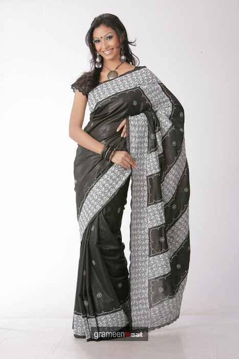 Indian Women in Beautiful Saree - Page 2 India48