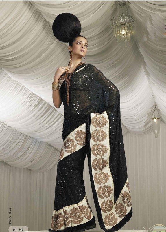 Indian Women in Beautiful Saree India8