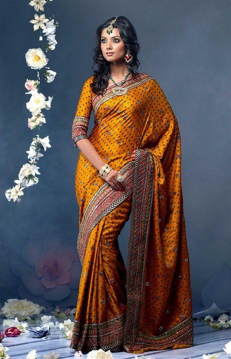 Indian Women in Beautiful Saree India9