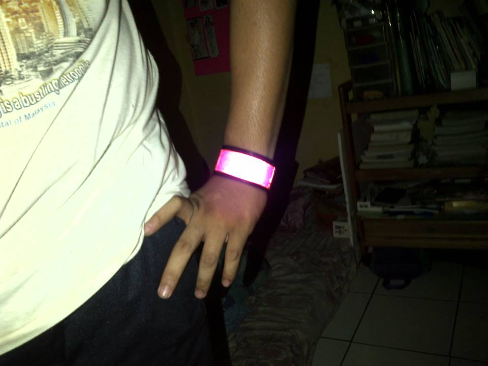 Rofan's Rave Shop [Pre - Order] Phat Pants , Reflective Wristband and Scotlight 998756_3156595170426_2029371931_n