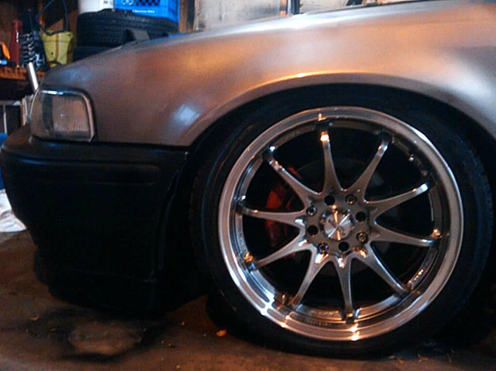 a holy crap load of random ass pics of my car 2011-10-03183523
