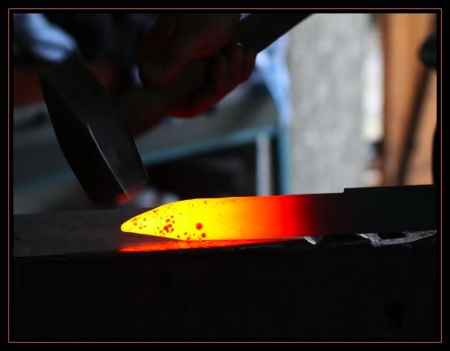 Feux et sueurs; images de forge - Page 2 8ATOC
