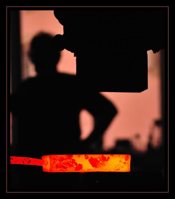Feux et sueurs; images de forge - Page 2 Cout32ATOC