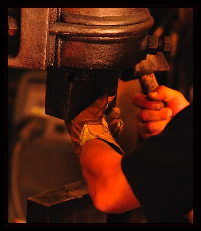 Feux et sueurs; images de forge Cout9ATOC2