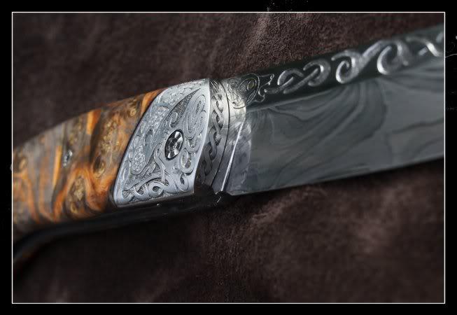 Couteaux Pliants : AVANT PREMIERE - Page 3 Damas-liner-lock-grave-gros-plan_zpsf32b07f6