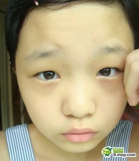 """Cô bé 12 tuổi với khuôn mặt makeup làm """"mê hoặc"""" cư dân mạng  G1"""