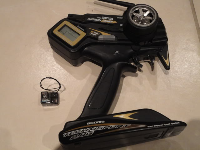 CHARGER, REMOTE AND RECEIVER, STADIUM BLITZER DSC01904