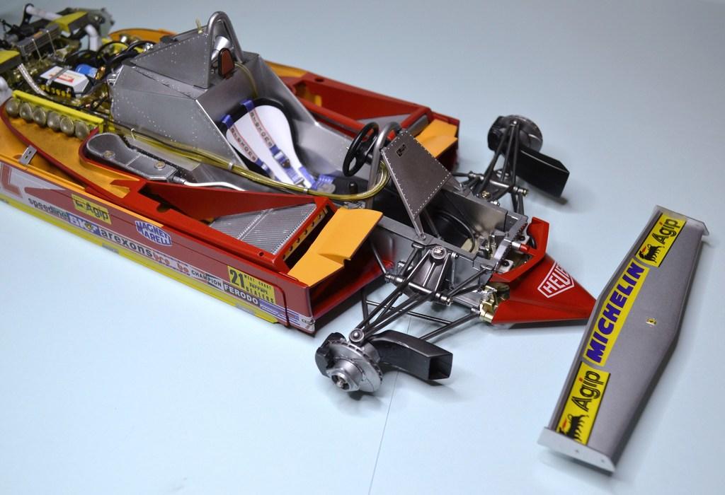 Ferrari 312 T4 1/12 TAMIYA - Page 3 DSC_0001_zpsof0aputa