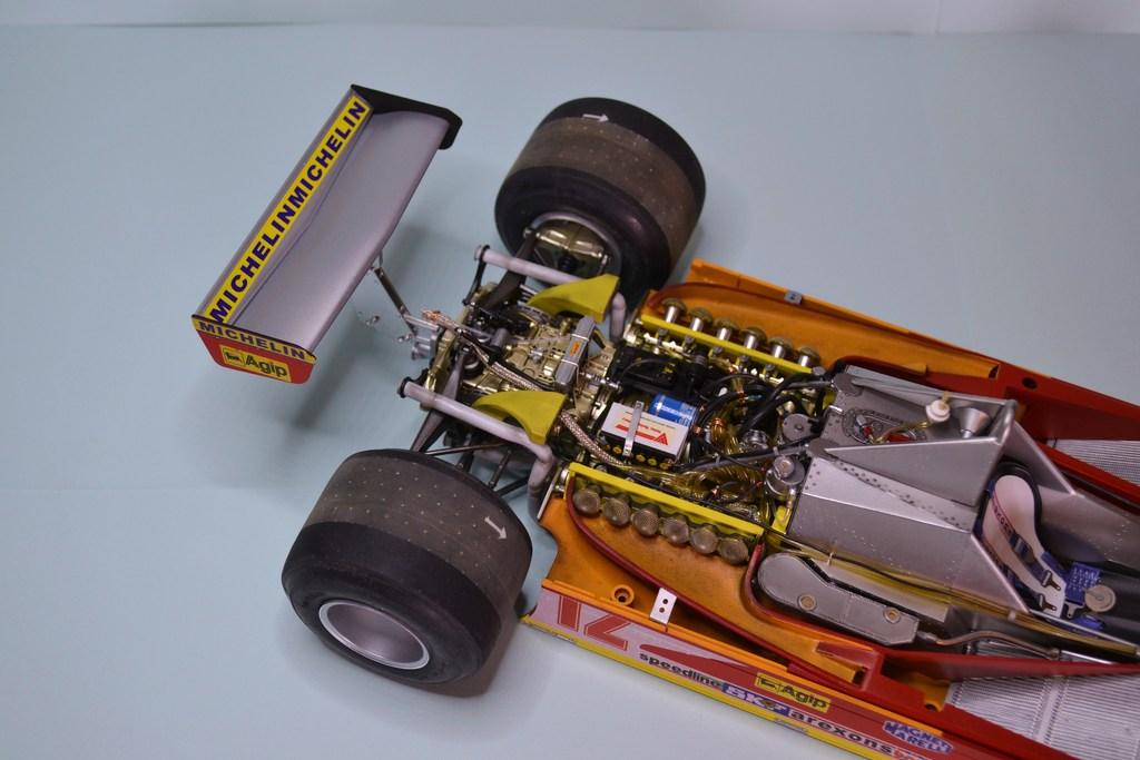 Ferrari 312 T4 1/12 TAMIYA - Page 4 DSC_0006_zpshv8o7cdz