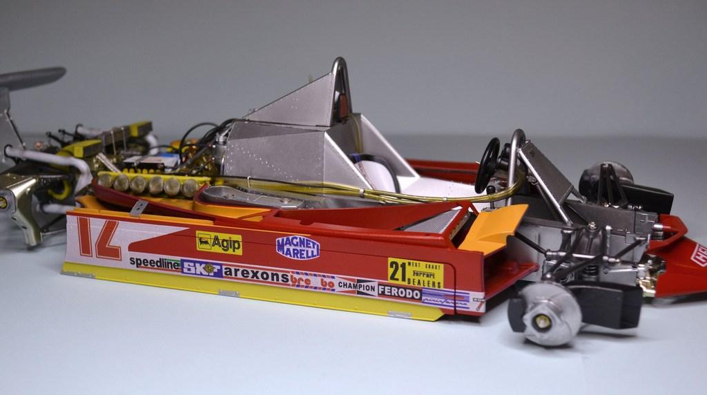 Ferrari 312 T4 1/12 TAMIYA - Page 3 DSC_0015_zpsan6wds74
