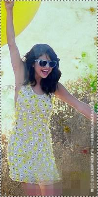 Selena Gomez Hit-the-lights-Selena-Gomez-selena-gomez-27867327-663-846