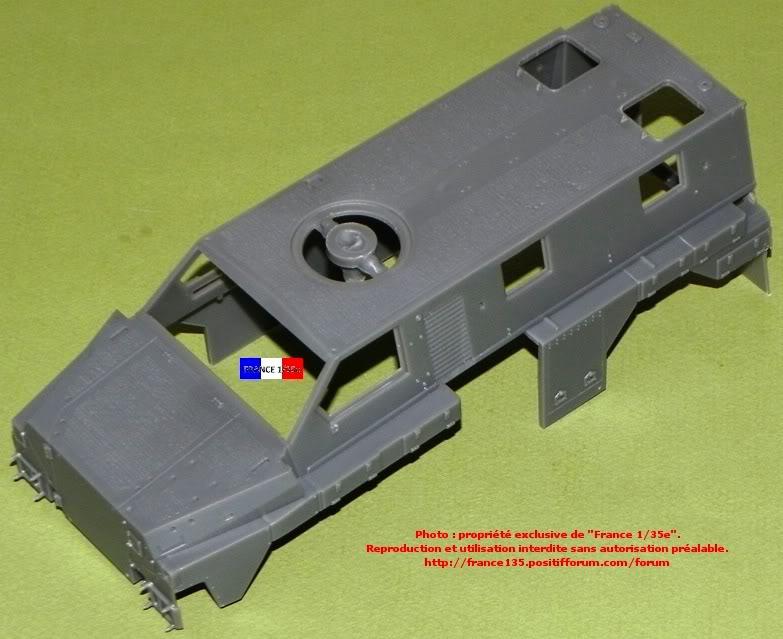 """""""Bushmaster"""". Showcase Models Australia, 1/35, ref 35001. Plastique injecté et photodécoupe. BUSHMASTER_1-35_SHOWCASE002"""