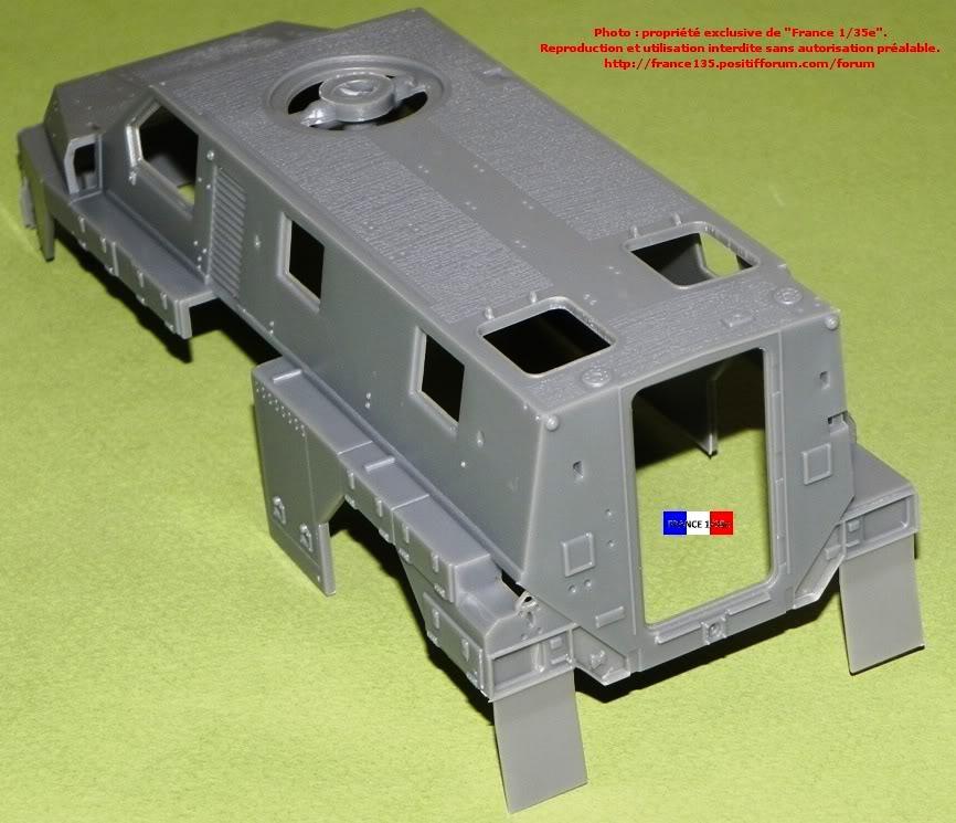 """""""Bushmaster"""". Showcase Models Australia, 1/35, ref 35001. Plastique injecté et photodécoupe. BUSHMASTER_1-35_SHOWCASE003"""