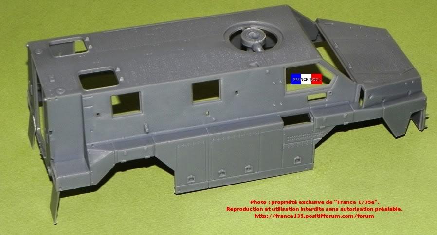 """""""Bushmaster"""". Showcase Models Australia, 1/35, ref 35001. Plastique injecté et photodécoupe. BUSHMASTER_1-35_SHOWCASE004"""