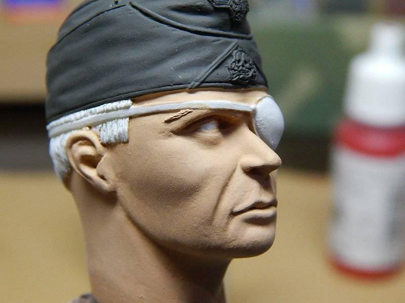 Panzer Officer - Verlinden - Busto 200mm 116
