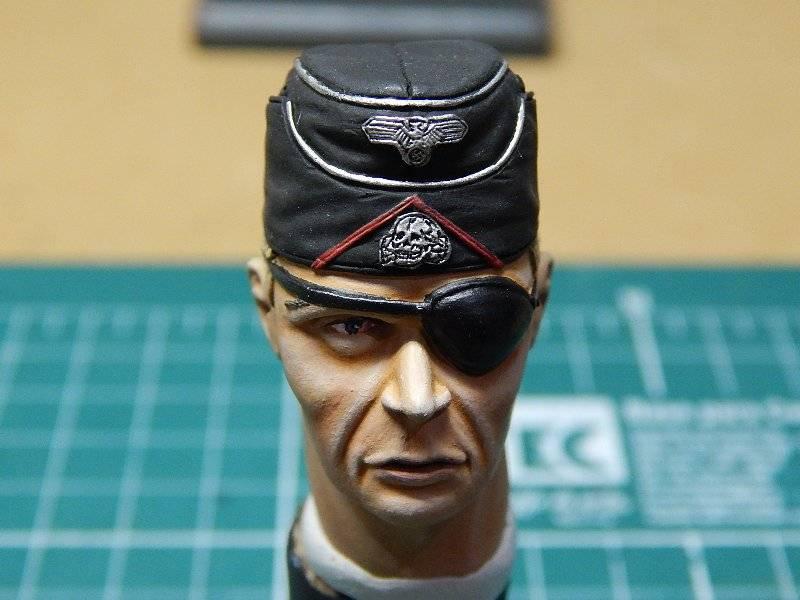 Panzer Officer - Verlinden - Busto 200mm 125