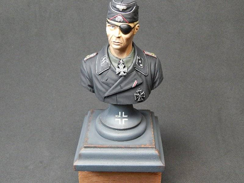 Panzer Officer - Verlinden - Busto 200mm 126