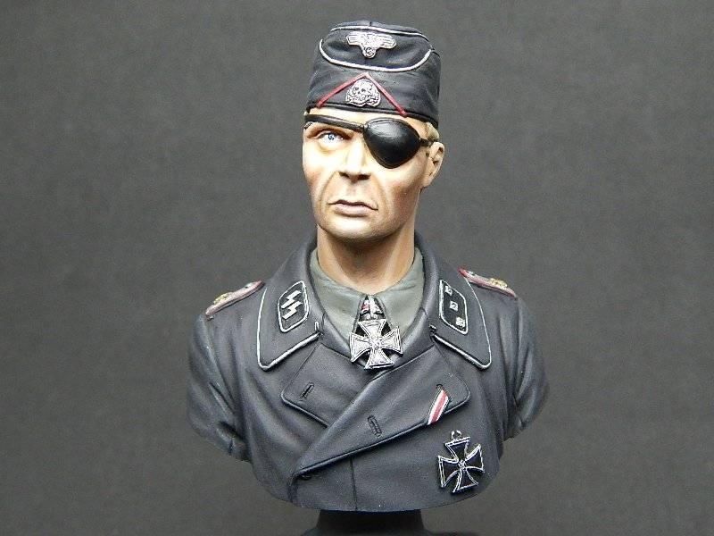 Panzer Officer - Verlinden - Busto 200mm 127