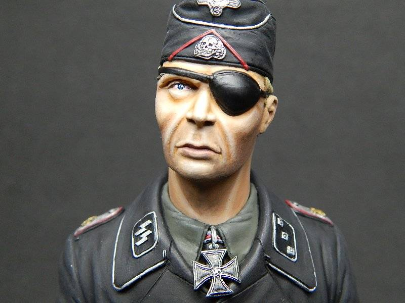 Panzer Officer - Verlinden - Busto 200mm 128