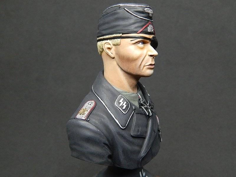 Panzer Officer - Verlinden - Busto 200mm 131
