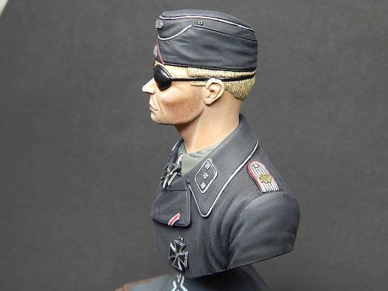 Panzer Officer - Verlinden - Busto 200mm 132