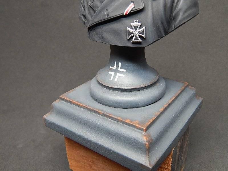 Panzer Officer - Verlinden - Busto 200mm 134