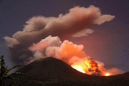 Monte Lokon erupción del volcán (Sulawesi, Indonesia) : Alerta se elevó a más alto nivel + imágenes de la erupción Jacky2