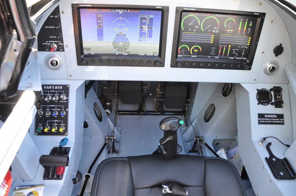 Bastien construit un avion .... DSC_0936