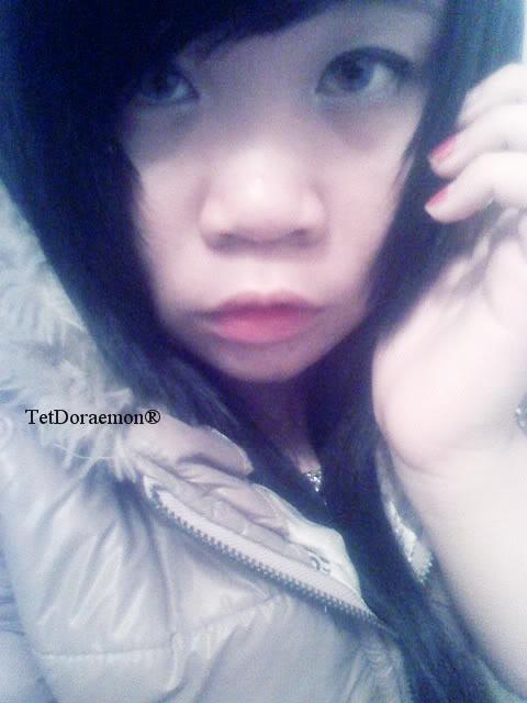 Jessica lộ diện; bé tẹt ngốc 021711215032__