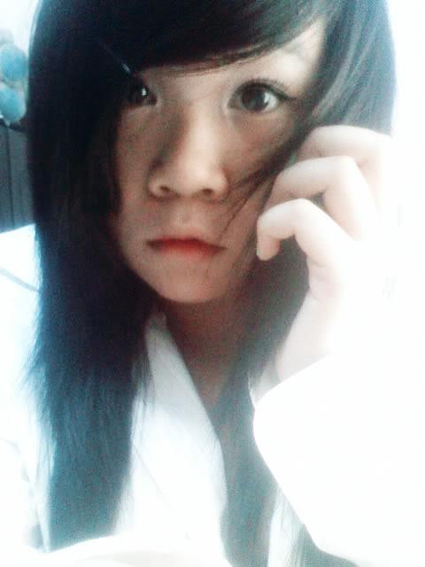 Jessica lộ diện; bé tẹt ngốc 050511142158__