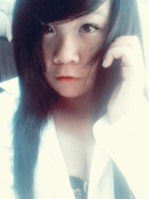 Jessica lộ diện; bé tẹt ngốc 050511142221__