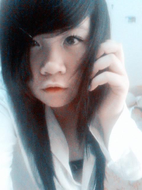Jessica lộ diện; bé tẹt ngốc 050511143520__