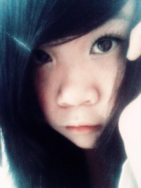 Jessica lộ diện; bé tẹt ngốc 050511144015__