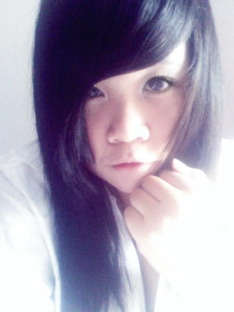 Jessica lộ diện; bé tẹt ngốc 050511145344__